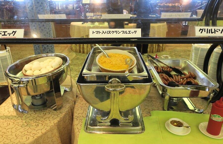 にっぽん丸 朝食バイキング ホットミール02