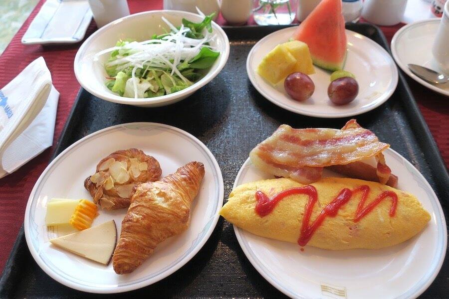 にっぽん丸 朝食バイキング