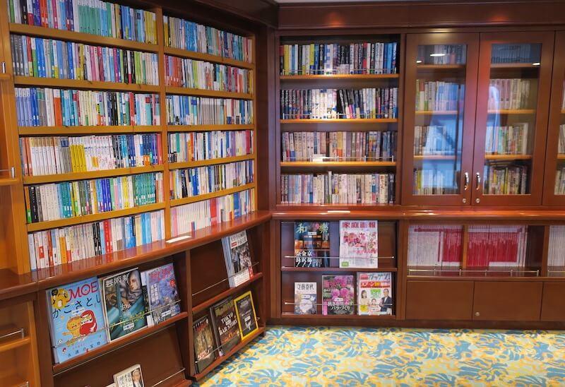 にっぽん丸 図書館02