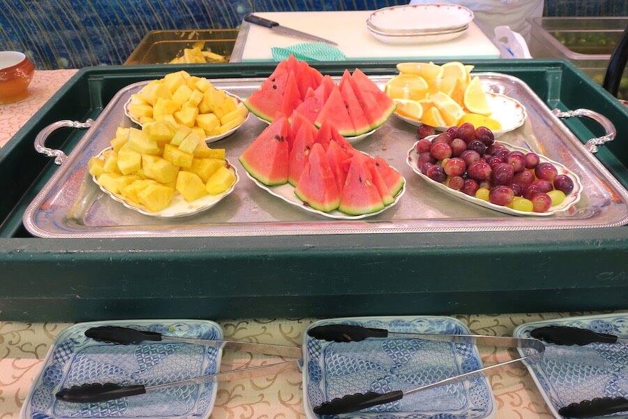 にっぽん丸 朝食バイキングフルーツ