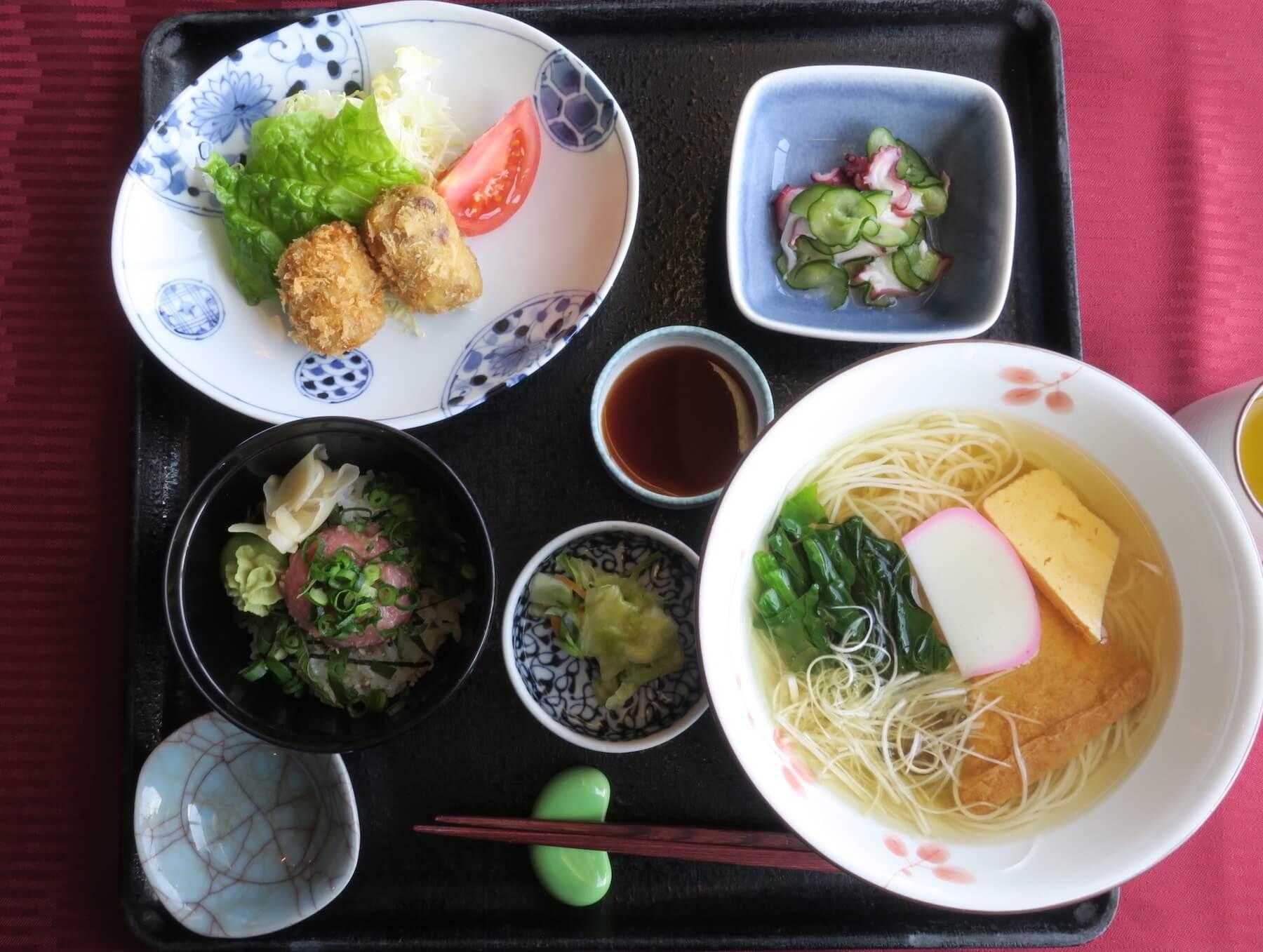 にっぽん丸 昼食01