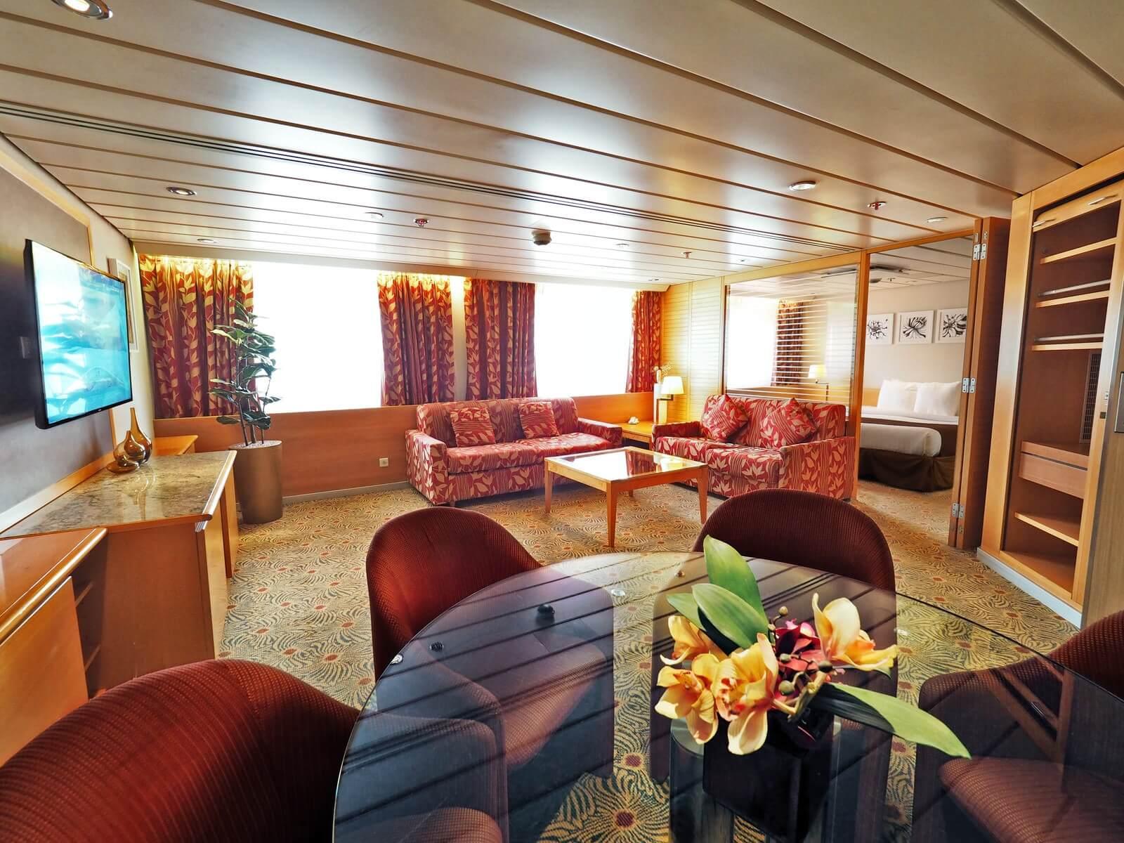 ピースボートプレミアム 客室 デラックススイート