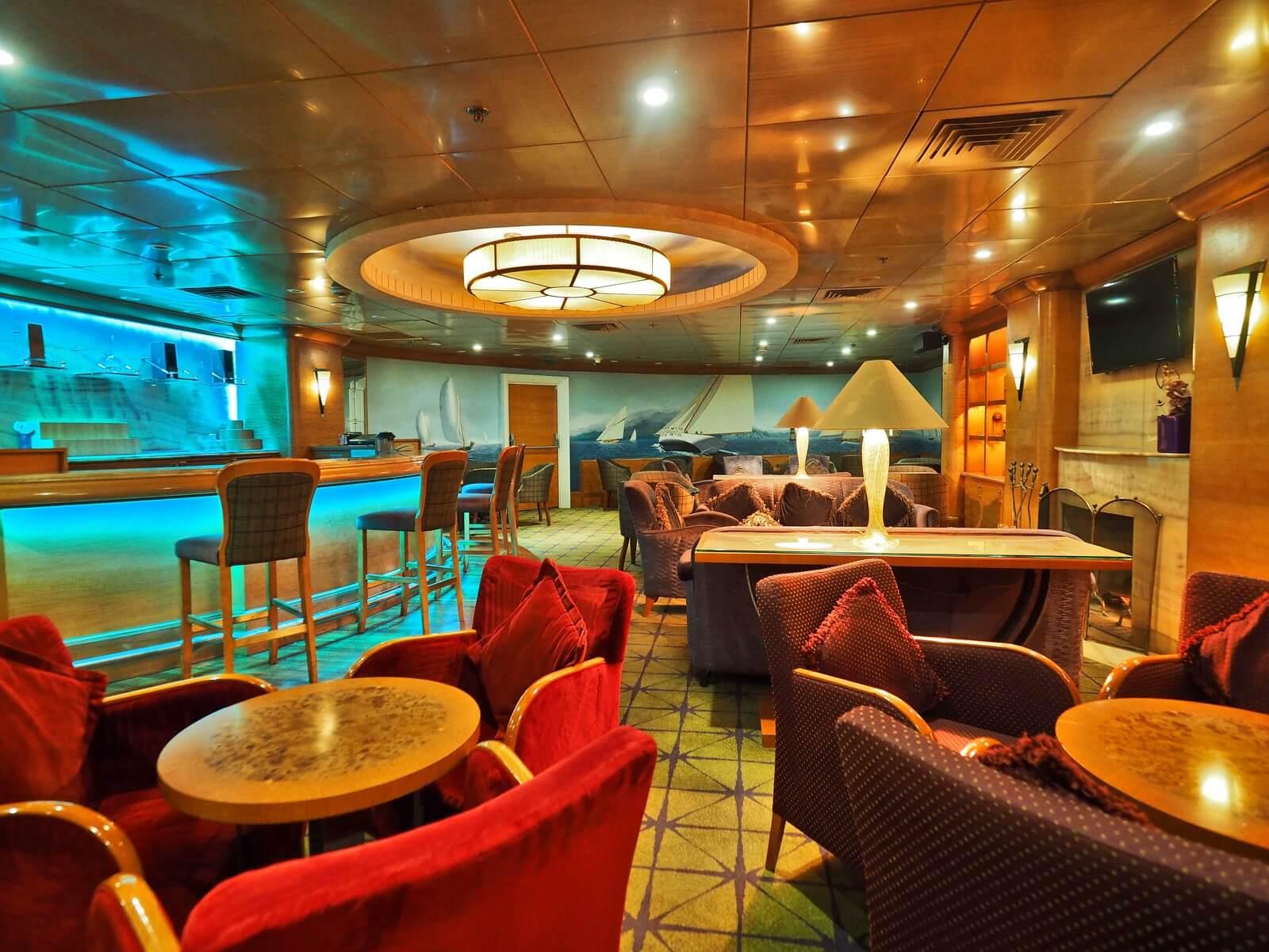 ピースボートプレミアム カフェ バー3